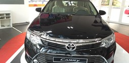 Toyota camry 2.0E 2015 mới.