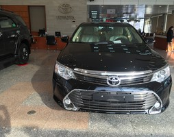 Toyota Camry 2.5G 2015, xe mới 100%.